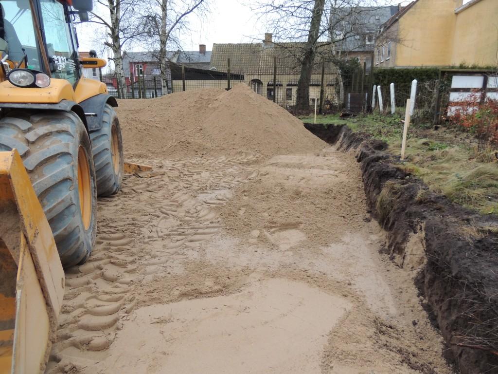 Sandpuden er ved at blive udlagt